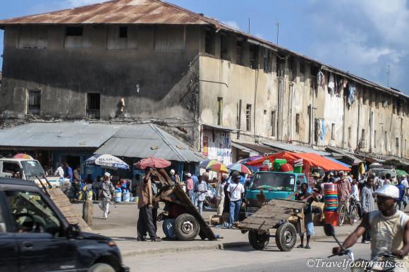 Darajani-Market-stone-town-zanzibar-bustling-bazaar-traffic-chaos-merchants-vendors-produce-meat-seafood