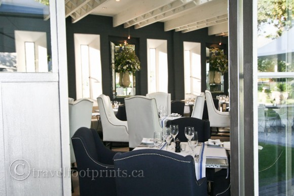 Franschhoek-Vineyard-Formal-Dining-South-Africa-Winelands-chairs-restaurant