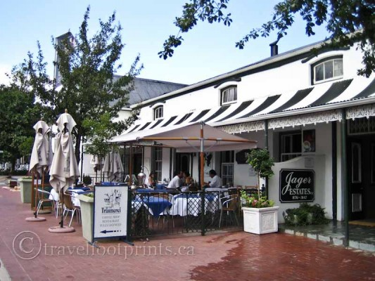 franschhoek-restaurant-cafe-umbrellas-south-africa-winelands