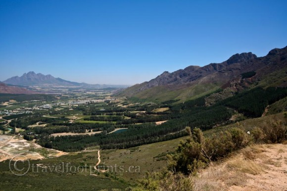 Franschhoek-view-valley-mountains-farmland-south-africa-winelands