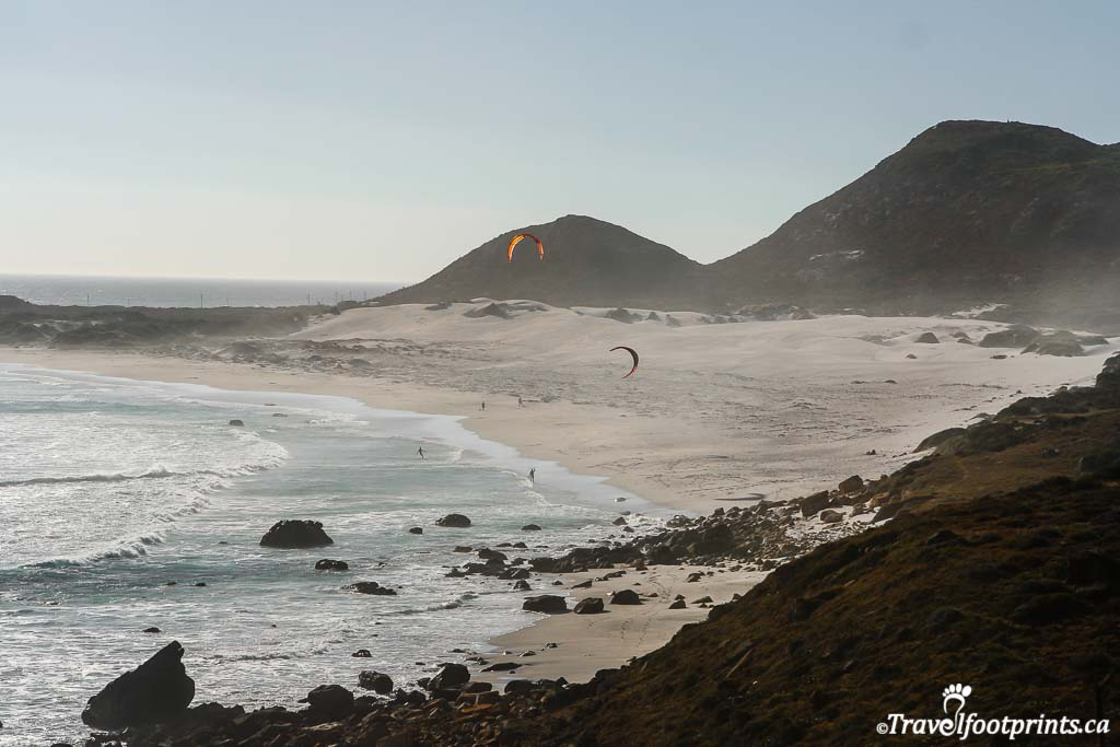 kite surfers at scarborough beach along cape point route