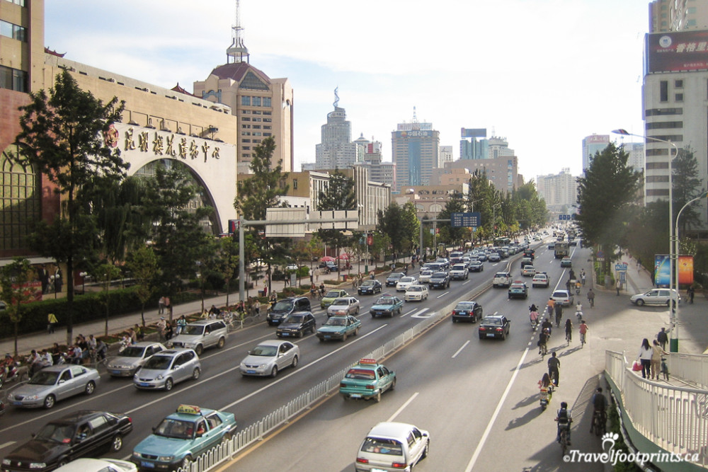 busy streets with traffic in kunming china
