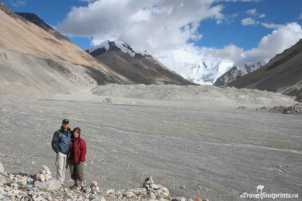 audrey-and-jack-looking-at-mount-everest-at-base-camp