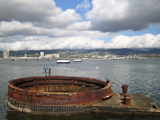 pearl-harbor-rusted-remains-uss-arizona-battleship-oahu