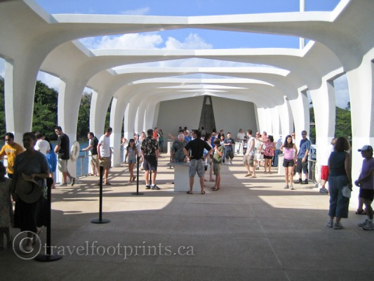 pearl-harbor-uss-arizona-memorial-viewing-platform-oahu