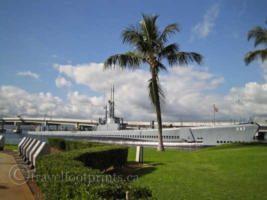 pearl-harbor-uss-bowfin-submarine-oahu-palm-tree