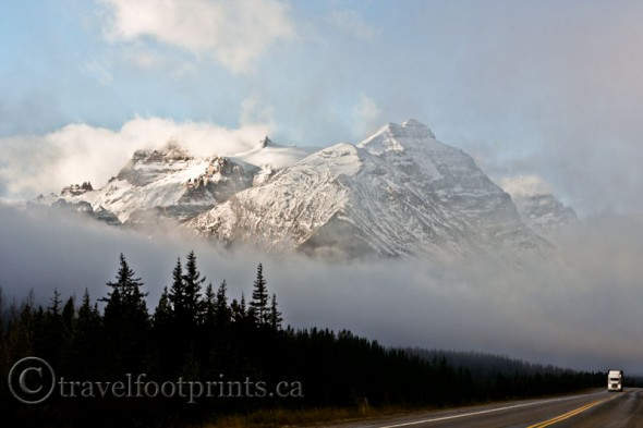 moving-lake-louise-beautiful-rocky-mountain-highway-revelstoke