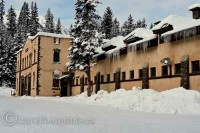 living-lake-louise-collegue-services-building-fairmont-chateau-hotel