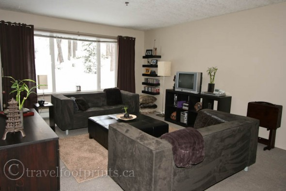 life-lake-louise-living-room-staff-residences-fairmont-chateau-vic-manor