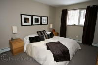 living-lake-louise-bedroom-staff-residences-fairmont-chateau-hotel