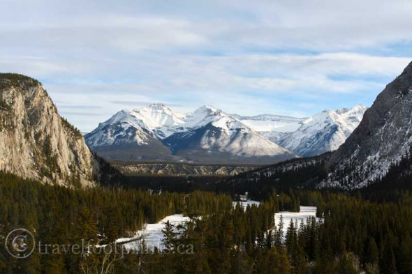 Fairmont-Banff-Springs-Hotel-View-Mountains-golf course-river