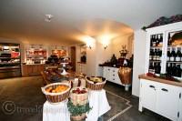 Fairmont-Banff-Springs-Hotel-Deli-Food