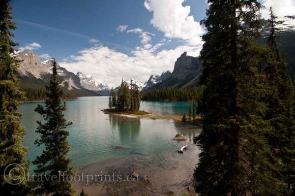 jasper-national-park-spirit-island-maligne-lake-beautiful-nature-photography