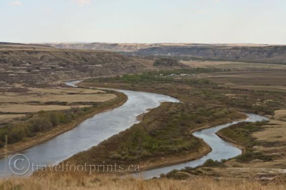 Drumheller-rivers-alberta-badlands