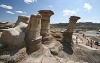 Drumheller-hoodoos-alberta-badlands-chimney-rock-formations