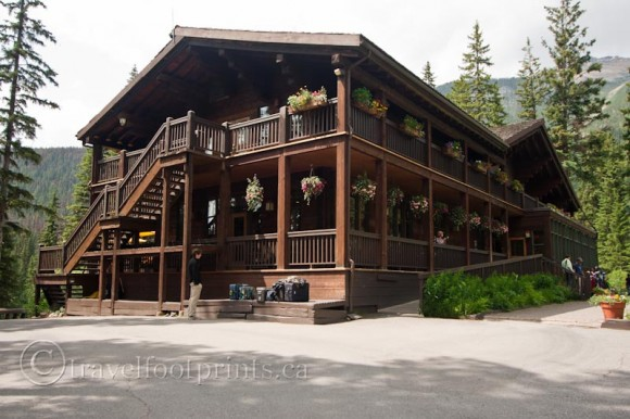 emerald-lake-lodge-exterior-balconies-stairs