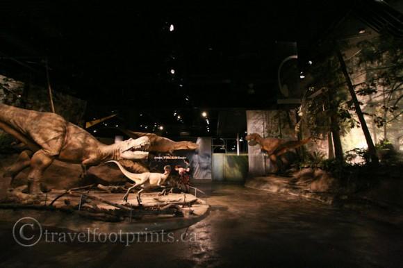 royal-tyrell-dinosaur-museum-statues-tyranasaurus