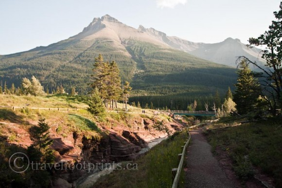 waterton-lakes-national-park-trail-red-rock-canyon-mountains