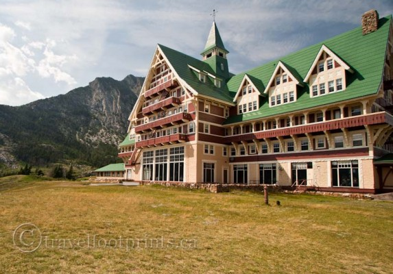 waterton-national-park-prince-wales-hotel-exterior
