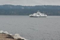 Denman-Island-ferry-ocean-mountains