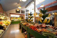 hornby-island-coop-interior-produce-bananas-fruit