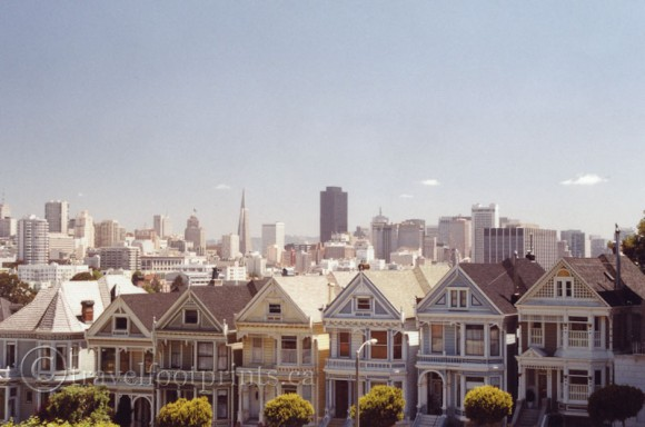 painted-ladies-san-francisco-houses-victorian-architecture-city-skyline