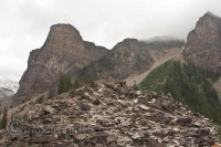 moraine-lake-rock-pile-view-point-valley-ten-peaks
