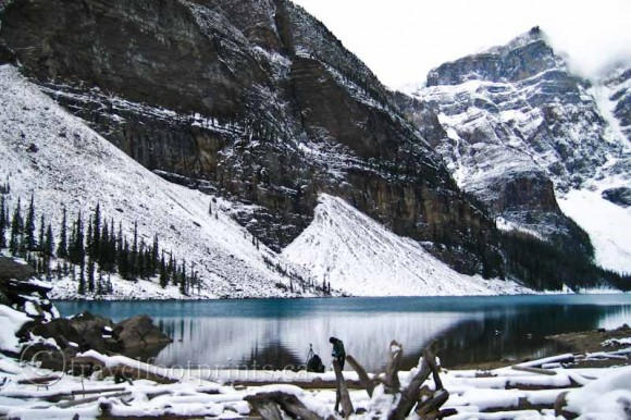 moraine-lake-winter-snow-frozen-rocky-mountains