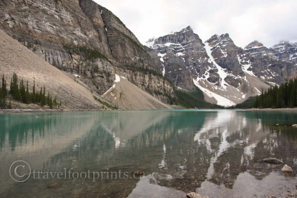 moraine-lake-reflection-water