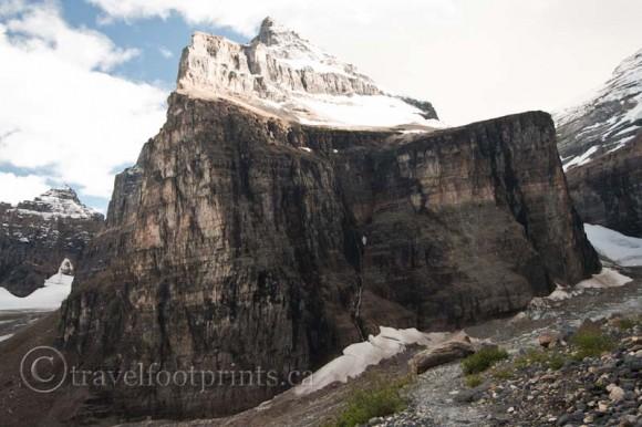 lake-louise-plain-six-glaciers-giant-mountain
