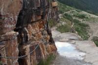 lake-louise-plain-six-glaciers-chains-trail-cliff-edge