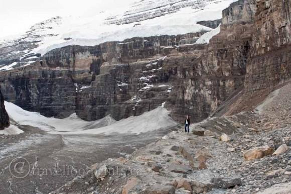 plain-six-glaciers-lake-louise-person-standing-mountain