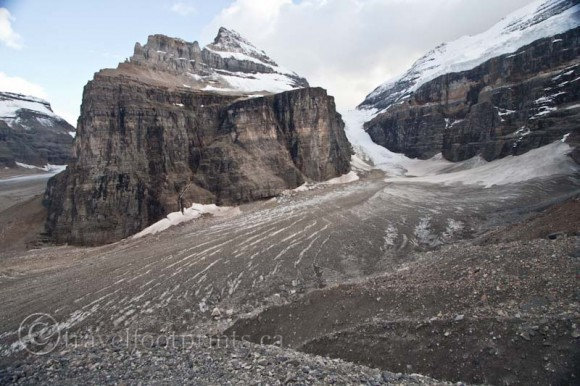 lake-louise-plain-six-glaciers-ice-crevices