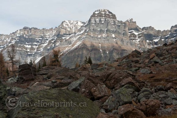 lake-ohara-hiking-trail-mountain-pattern-rocks-rugged