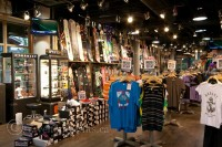 ski-outer-wear-shop-whistler-village-snowboard