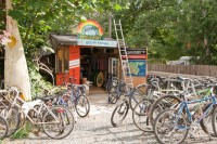 Hornby-island-bicycle-rental-ringside-market