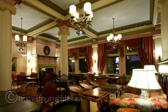 victoria-fairmont-empress-hotel-afternoon-tea-victorian-furniture-lamps-sofas