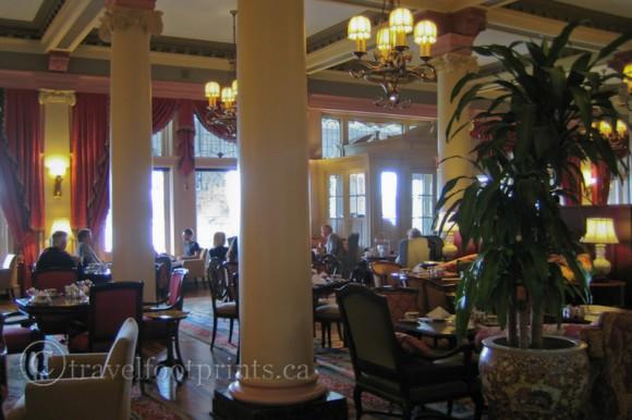 victoria-fairmont-empress-hotel-afternoon-tea-lobby