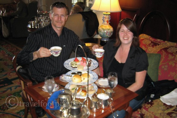 victoria-fairmont-empress-hotel-afternoon-tea-us-at-table-holding-cups