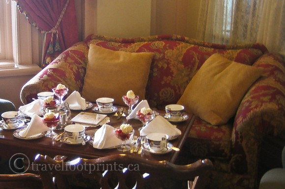 victoria-fairmont-empress-hotel-afternoon-tea-victorian-furniture-table-setting
