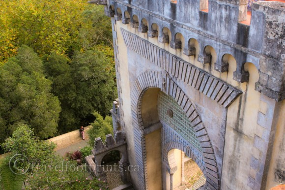 pena-palace-gate-tower-castle-arch-sintra-portugal