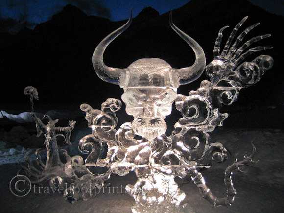 lake-louise-ice-magic-festival-night-light-skull-sculpture