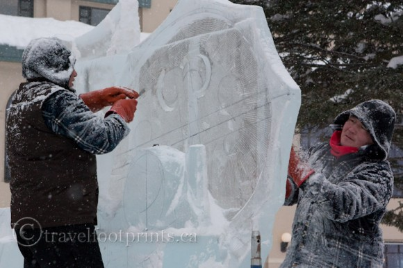 lake-louise-ice-magic-festival-carvers