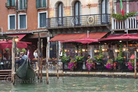 venice-canal-restaurant-italy-gondola