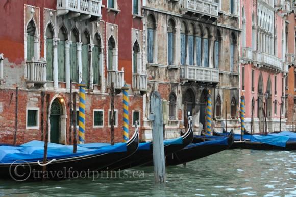 venice-gondola-blue-tarps-italy