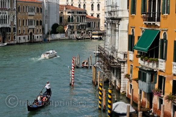 gondola-venice-canal-boat-buildings-italy