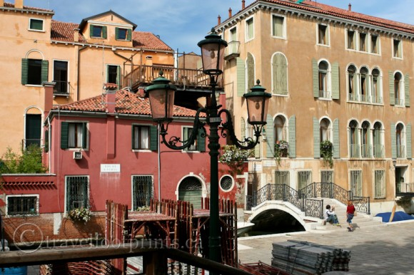 lamp-post-buildings-venice-canal-bridge-italy