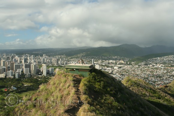 bunker-summit-diamond-head-view-trail-hiking-oahu-hawaii-island-city-skyscrapers