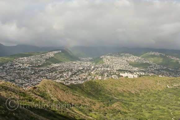 subdivision-houses-view-diamond-head-trail-hiking-oahu