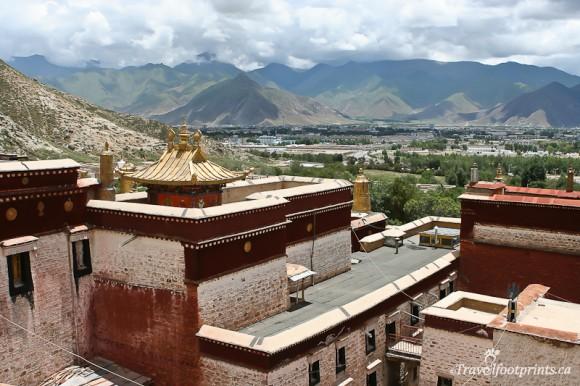 sera-monastery-mountain-views-lhasa-tibet